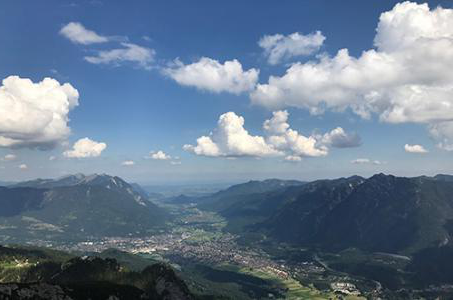Chelednik mountaintop view in Garmisch, Germany